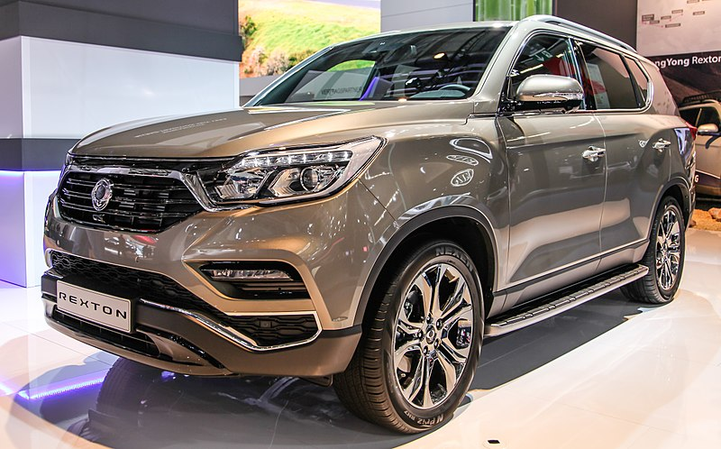 800px-SsangYong_Rexton_IMG_0896