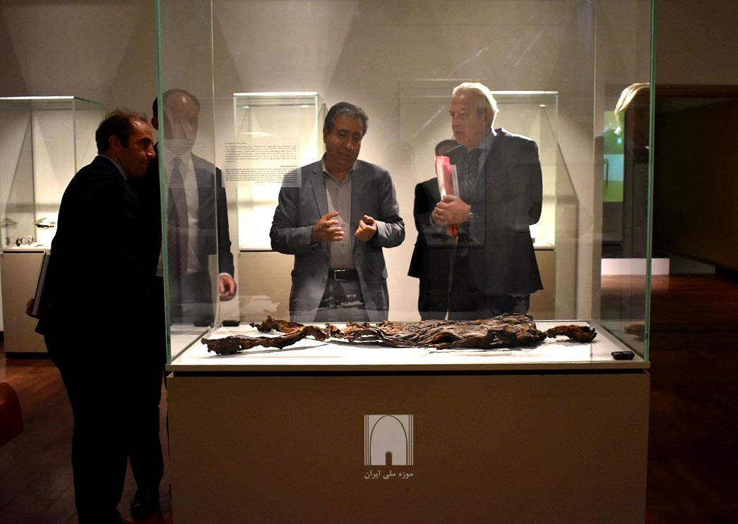 Dutch Antiques on Show in Iran National Museum